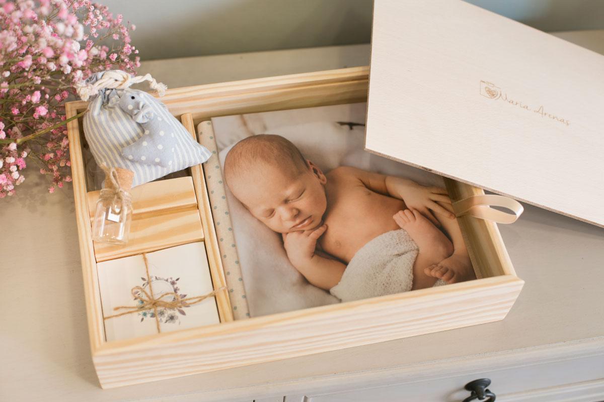 Caja regalo con fotografías newborn o maternidad